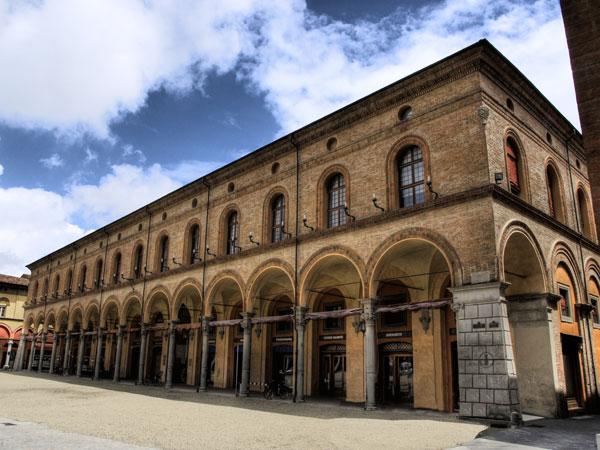Palazzo Sersanti. Immagine Fondazione Cassa Risparmio di Imola