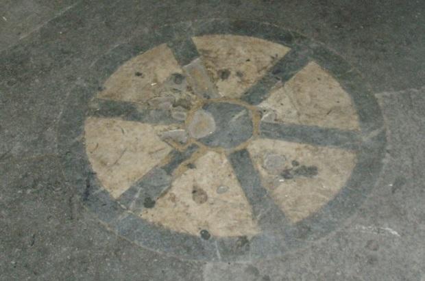 la_pietra_dello_scandalo