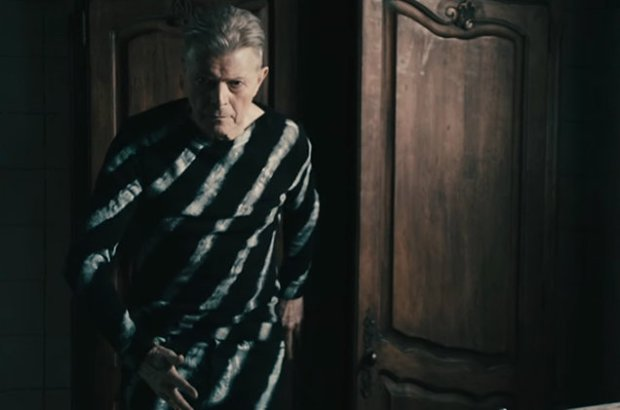 David-Bowie-Lazarus-vid-2016-billboard-650